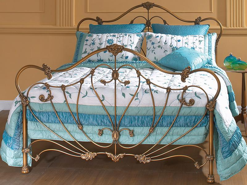 Кровать с ножной спинкой