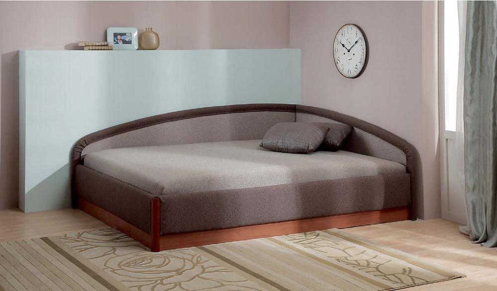 Угловая кровать фото